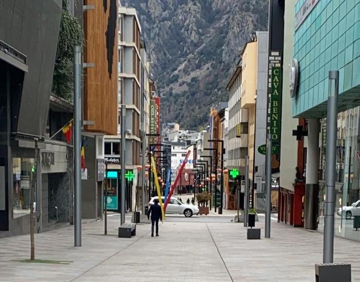 Els economistes alerten que Andorra pot ser dels països que trigui més a superar la crisi econòmica per la dependència del turisme